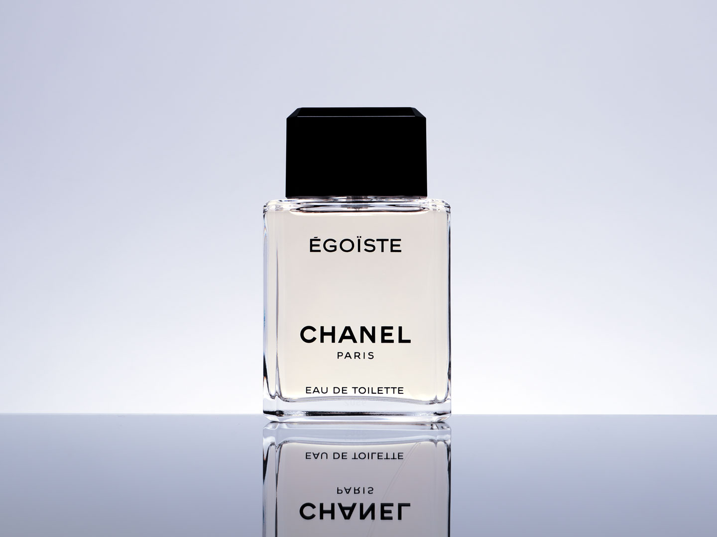 French Photographer Paris Studio Packshot Perfume Égoiste Chanel