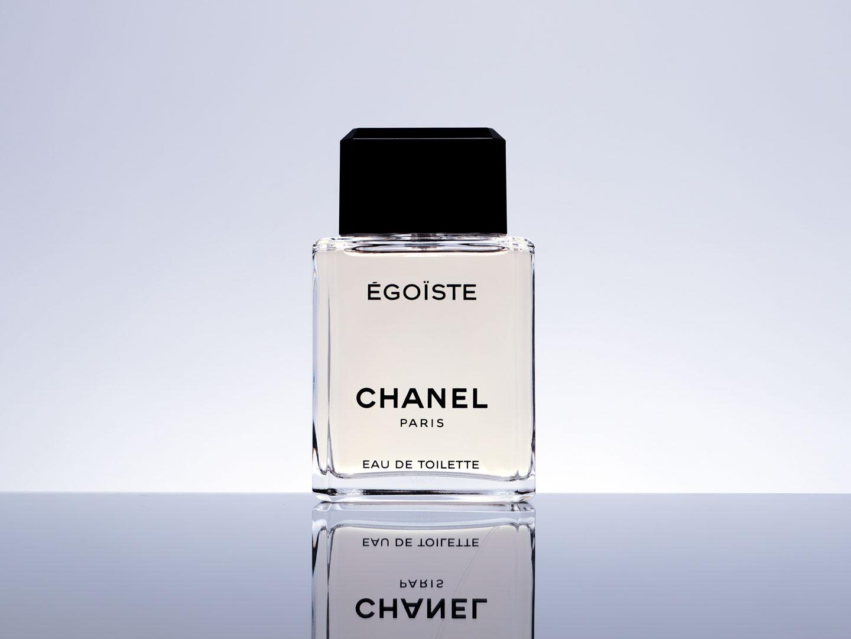 French Photographer Paris Studio Packshot Perfume Égoiste Chanel