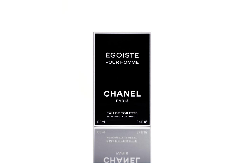 French Photographer Paris Studio Packshot Packaging Égoiste Chanel