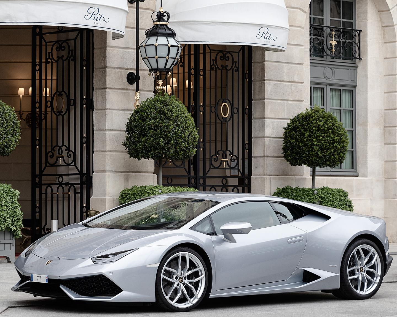 French Photographer Street Photography Hôtel Ritz Paris / Lamborghini