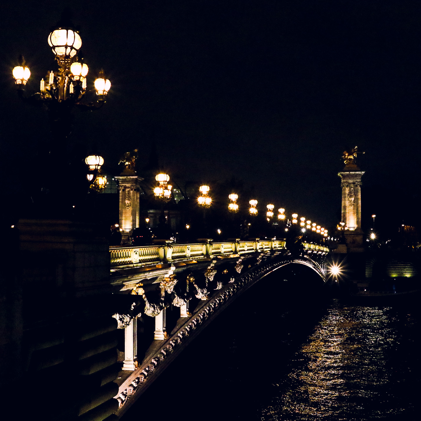 French Photographer Street Photography Paris by night / Pont Alexandre-III